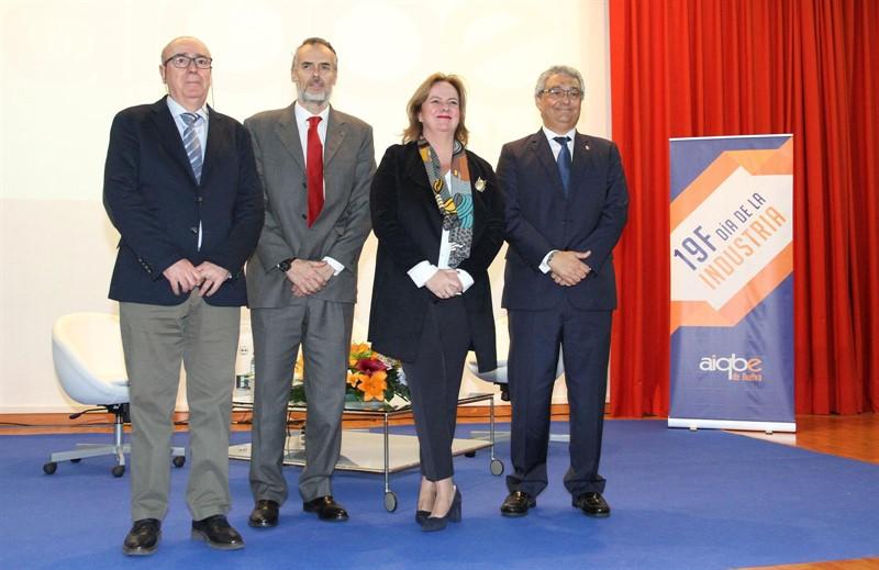 El catedrático de la Universidad de Huelva 4c852ed740b3